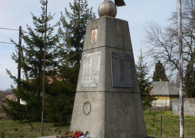 Gige világháborús emlékmű 2009.03.23.küldő-Sümec (3)