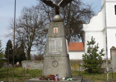Gige világháborús emlékmű 2009.03.23.küldő-Sümec