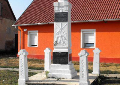 Gilvánfa világháborús emlékmű 2012.08.01. küldő-KRySZ