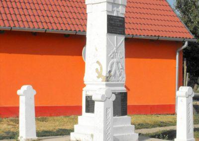Gilvánfa világháborús emlékmű 2012.08.01. küldő-KRySZ (8)