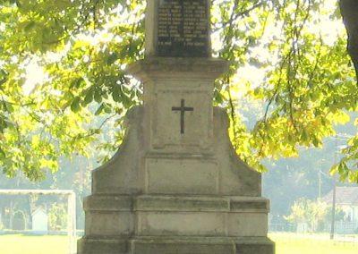 Girincs I. világháborús emlékmű 2007.09.24. küldő-kalyhas (6)