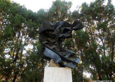 Gulács II. világháborús emlékmű 2016.09.27. küldő-kalyhas (1)
