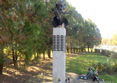 Gulács II. világháborús emlékmű 2016.09.27. küldő-kalyhas (3)