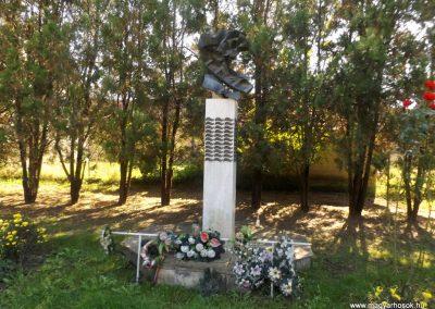 Gulács II. világháborús emlékmű 2016.09.27. küldő-kalyhas