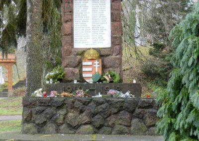 Gutorfölde világháborús emlékmű 2017.12.01. küldő-Huber Csabáné