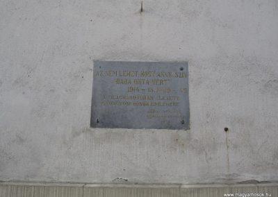 Gyöngyös I.vh emléktábla 2009.01.03.küldő-kalyhas (2)