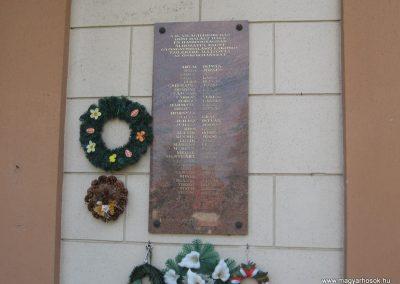 Gyöngyöshalász világháború emléktáblák 2009.08.25.-küldő-kalyhas (4)