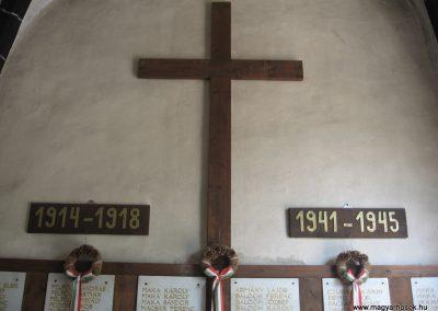 Gyöngyöspata világháborús emlékhely a templomban 2009.05.10.küldő-kalyhas (5)