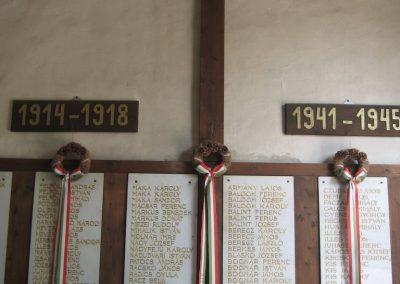 Gyöngyöspata világháborús emlékhely a templomban 2009.05.10.küldő-kalyhas (6)