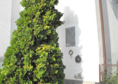 Gyöngyfa II.világháborús emléktábla 2012.08.01. küldő-KRySz (1)