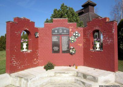 Gyüre világháborús emlékmű 2014.02.24. küldő-kalyhas (2)