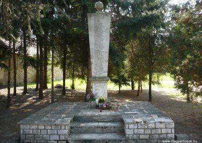 Győrújbarát világháborús emlékmű 2009.09.25. küldő-Sümec (7)