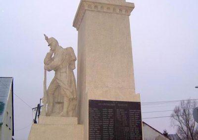 Győr-Győrszentiván világháborús emlékmű 2009.01.07.küldő-Ancsa84 (1)