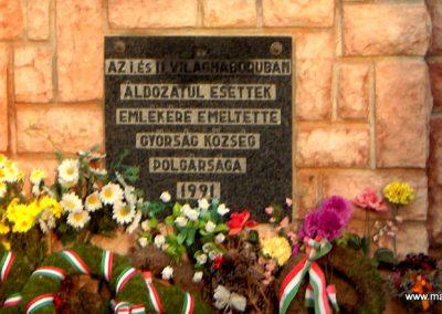 Győrság világháborús emlékmű 2006.11.08. küldő-Hege (5)