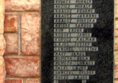 Győrság világháborús emlékmű 2006.11.08. küldő-Hege (6)