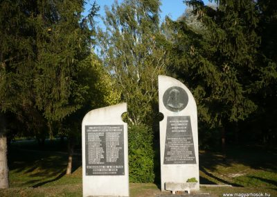 Győrvár hősi emlékmű 2009.09.25. küldő-Sümec (1)
