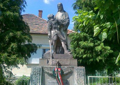Gyarmat I.vh emlékmű 2010.08.11. küldő-Csiszár Lehel (1)