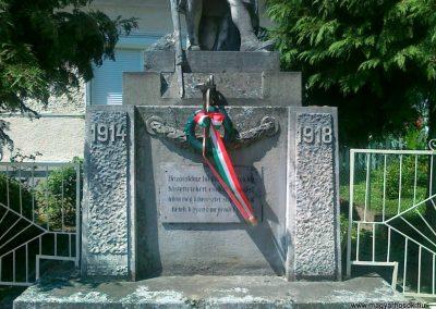 Gyarmat I.vh emlékmű 2010.08.11. küldő-Csiszár Lehel (2)
