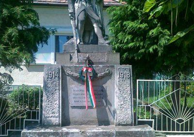 Gyarmat I.vh emlékmű 2010.08.11. küldő-Csiszár Lehel