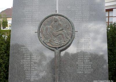 Gyenesdiás világháborús emlékmű 2011.09.15. küldő-Sümec (3)