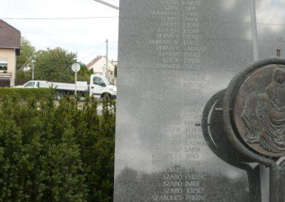 Gyenesdiás világháborús emlékmű 2011.09.15. küldő-Sümec (7)