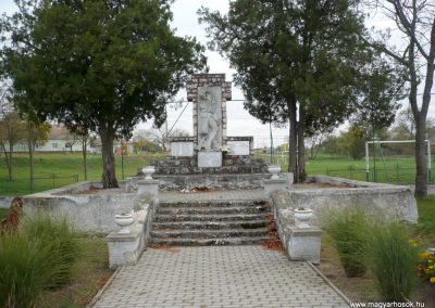 Gyepükaján világháborús emlékmű 2013.10.30. küldő-Sümec