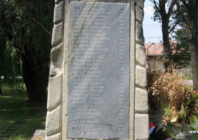 Gyermely világháborús emlékművek 2008.07.02. küldő-Kályhás (14)