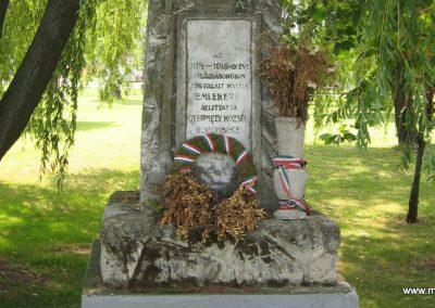Gyermely világháborús emlékművek 2008.07.02. küldő-Kályhás (3)