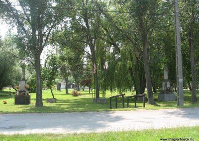 Gyermely világháborús emlékművek 2008.07.02. küldő-Kályhás