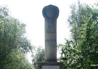 Gyermely világháborús emlékművek 2008.07.02. küldő-Kályhás (9)