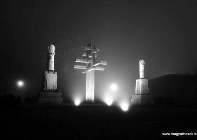 Gyermely világháborús emlékművek 2013.12.31. küldő-M. Nagy Sándor (4)