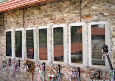 Gyimesbükk I.vh emléktáblák 2011.09.21. küldő-Mónika39-né