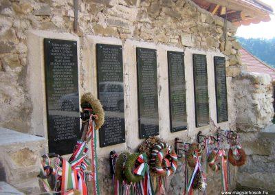 Gyimesbükk I.vh emléktáblák 2011.09.21. küldő-Mónika39-né (5)