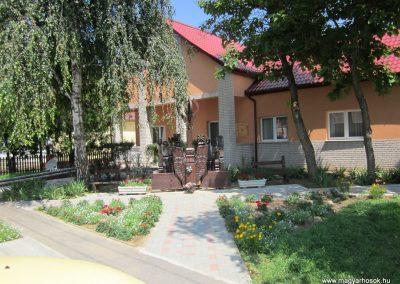 Gyulaháza világháborús emlékmű 2013.07.08. küldő-kalyhas