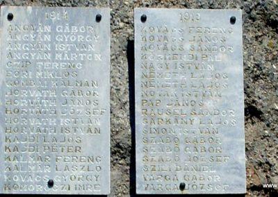 Gyulakeszi világháborús emlékmű 2012.08.04. küldő-Nerr (3)