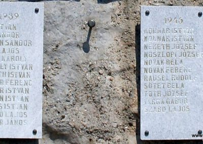 Gyulakeszi világháborús emlékmű 2012.08.04. küldő-Nerr (4)