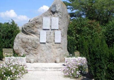Gyulakeszi világháborús emlékmű 2012.08.04. küldő-Nerr