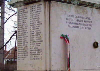 Gyulavári I.vh emlékmű 2007.11.08. küldő-Lófő (6)