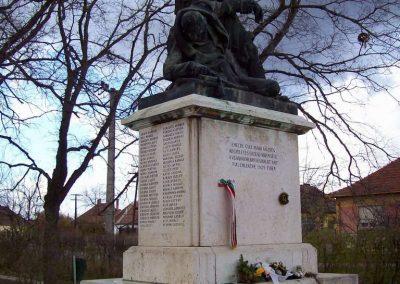 Gyulavári I.vh emlékmű 2007.11.08.küldő-Lófő (4)