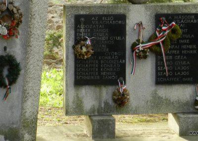 Hács Evangélikus templom világháborús emlékmű 2014.03.21. küldő-Huber Csabáné (2)