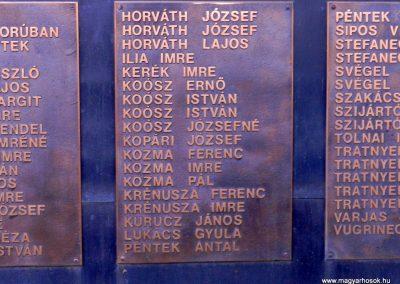 Háromfa világháborús emlékmű 2014.10.18. küldő-Huber Csabáné (5)