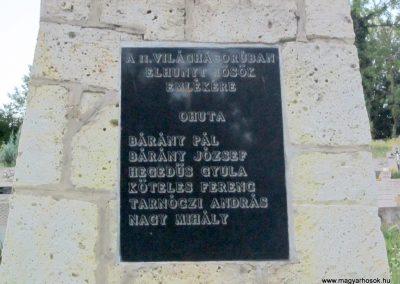 Háromhuta- Óhuta II.világháborús emlékmű 2012.08.19. küldő-kalyhas (3)