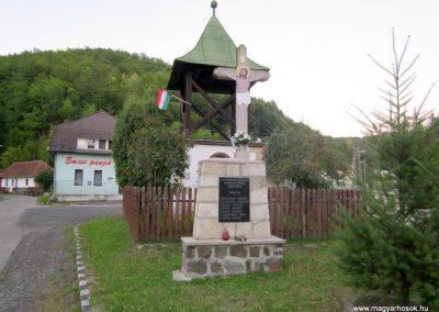 Háromhuta- Újhuta II. világháborús emlékmű 2012.08.19. küldő-kalyhas (1)