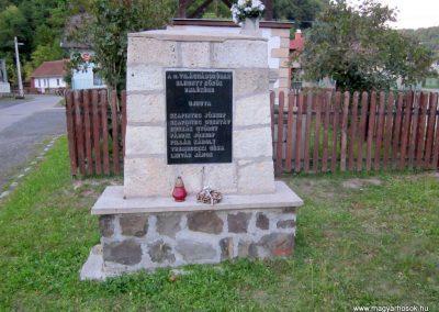 Háromhuta- Újhuta II. világháborús emlékmű 2012.08.19. küldő-kalyhas (2)