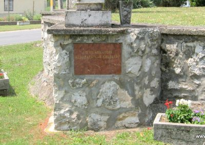 Héreg világháborús emlékművek 2008.07.02. küldő-Kályhás (10)