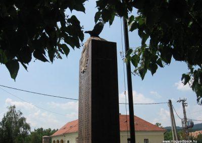 Héreg világháborús emlékművek 2008.07.02. küldő-Kályhás (6)