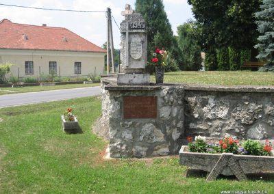 Héreg világháborús emlékművek 2008.07.02. küldő-Kályhás (8)