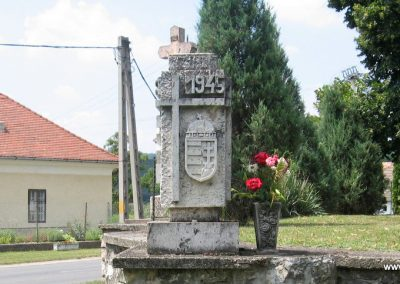 Héreg világháborús emlékművek 2008.07.02. küldő-Kályhás (9)