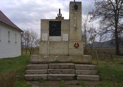 Hét világháborús emlékmű 2012.04.06. küldő-Pataki Tamás