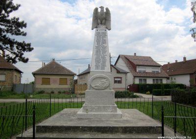Hévízgyörk világháborús emlékmű 2014.05.05. küldő-kalyhas (2)